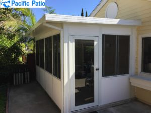 What's the Difference Between a Sunroom and a Screened Porch?